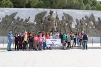 ŞEHİTLİKLER - İzmirli Öğrenciler Eskişehir Ve Çanakkale'yi Gezdi