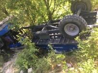 Kontrolden Çıkan Traktör Takla Attı Açıklaması 1 Ölü, 3 Yaralı