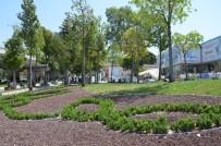 DAVUTLAR - Kuşadası'nda Çevre Yolu Kavşaklarında Peyzaj Çalışması Devam Ediyor