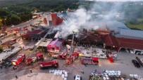 KEMERBURGAZ - (Özel) Kemerburgaz'da İş Yerleri Alev Alev Yandı