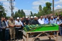 ADNAN TEZCAN - Seçmen Kağıdı Tartışması Sonucu Öldürülen Muhtar Toprağa Verildi