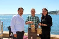 DEMIR ÇELIK - Sesi Kısılmasın Diye Cumhurbaşkanı Erdoğan'a Yeşil Yumurta Gönderdi