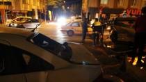 NECİP FAZIL KISAKÜREK - Sivas'ta Hafif Ticari Araç İle Otomobil Çarpıştı Açıklaması 4 Yaralı