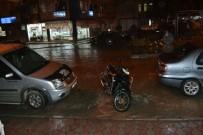 SU TAŞKINI - Şuhut'ta Sağanak Yağış Etkili Oldu