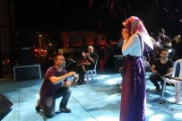 29 EKİM CUMHURİYET BAYRAMI - Afrin'de İlk Kurşun, Sahnede İlk Sürpriz
