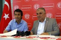 BÜLENT KORKMAZ - Antalyaspor İle 1+1 Yıllık Sözleşme İmzaladı