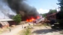 Balıkesir'de Kereste Fabrikasında Yangın