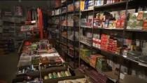 HAYIRSEVER İŞ ADAMI - Hayırsever İş Adamları 200 Dar Gelirlinin Bakkal Borcunu Ödedi