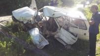 Kastamonu'da İki Otomobil Kafa Kafaya Çarpıştı Açıklaması 1 Ölü, 4 Yaralı