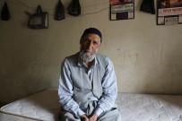 77 Yaşındaki Şehmus Ded Tek Odalı Evde Yaşam Mücadelesi Veriyor