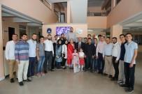 FEVZI KıLıÇ - Bakan Özlü Adapazarı Belediyesi'ni Ziyaret Etti