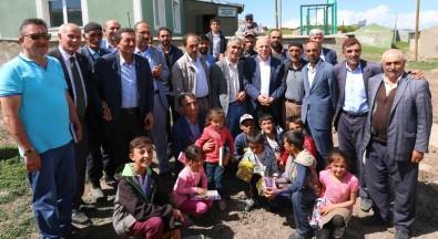 Başkan Sekmen Karayazı'da Ak Yatırımları Anlattı