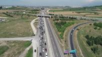 SPOR AYAKKABI - Bursa'da Bayram Tatili Yoğunluğu Havadan Böyle Görüntülendi