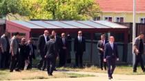 KARACAAHMET MEZARLIĞI - Cumhurbaşkanı Erdoğan'dan Kabir Ziyareti