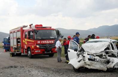 Denizli'de Trafik Kazası Açıklaması 3 Ölü