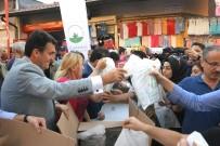 ZEKERİYA BİRKAN - Dündar Çarşıda İftariyelik Dağıttı