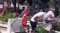 ESKİŞEHİR VALİSİ - Eskişehir'de Bayram Arifesinde Şehitlik Ziyareti