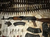 UÇAKSAVAR - Hakkari'de Bir Mağarada Silah Ve Mühimmat Ele Geçirildi