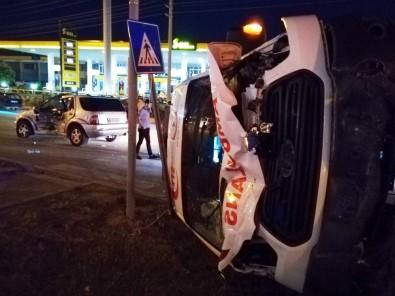 Hatay'da Ambulansla Otomobil Çarpıştı Açıklaması 5 Yaralı