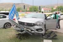 İki Otomobil Çarpıştı Açıklaması 4 Yaralı