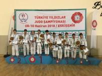 KAĞıTSPOR - Kağıtsporlu Judocular Eskişehir'den 15 Madalya İle Döndü