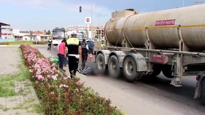 Kamyon Elektrikli Bisiklete Çarptı Açıklaması 1 Ölü