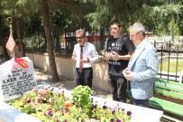 MUSTAFA GÜLER - Köşker Ve Güler'den Şehitlik Ziyareti