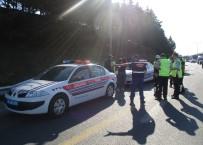 KURAL İHLALİ - Polisten Arife Günü Drone'li Trafik Uygulaması