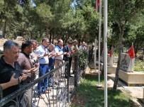 BAŞPıNAR - Protokol İlçe Şehitliğine Giderek Dualar Etti.