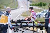 NUMUNE HASTANESİ - Sivas'ta Trafik Kazası Açıklaması 2 Yaralı