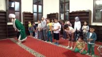 TERAVIH NAMAZı - Son Teravih Namazında Çocuklara 'Nasrettin Hoca' Sürprizi