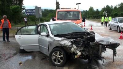 Tokat'ta Cip İle Otomobil Çarpıştı Açıklaması 9 Yaralı