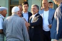 KAVACıK - 11'İnci Cumhurbaşkanı Abdullah Gül, Bayram Namazını Kavacık Tekke Camii'nde Kıldı