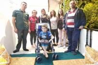 7 Yaşındaki Dayan'ın Tekerlekli Sandalye Sevinci