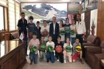 TÜRKIYE BASKETBOL FEDERASYONU - Başkan Epcim 100 Çocuğu Sevindirdi