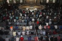 OKTAY KALDıRıM - Elazığ'da Bayram Namazında Camiler Doldu