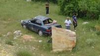 DİKKATSİZLİK - Emet'te Trafik Kazası Açıklaması 3 Yaralı
