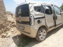 Hafif Ticari Araç Takla Attı Açıklaması 2 Yaralı