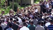 Hakkarililer Mehmetçik'in Bayramını Kutladı