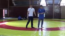 GÜREŞ TAKIMI - Yıldız Milli Güreşçilerin Gözü Dünya Şampiyonluğunda