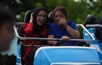 KÜLTÜRPARK - Bayram Harçlıklarını Toplayan Çocuklar Lunaparkta Gönüllerince Eğlendi