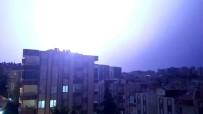 LODOS - Bursa'da Şimşekler Geceyi Gündüze Çevirdi