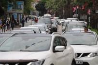 DENIZ OTOBÜSÜ - Çanakkale'de Tatilcilerin Yoğunluğu Erken Başladı