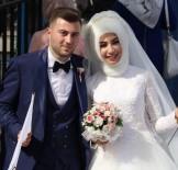 TÜRK BAYRAĞI - Düğünden Önce Mitinge Geldiler
