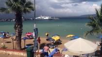 MORDOĞAN - İzmir'de Tatilcilere Yağmur Sürprizi