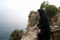 İNSAN HAKLARı - Oğlu 30 Metreden Denize Düşerek Ölen Annenin Falezlere Güvenlik Önlemi  Mücadelesi
