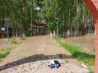 Ağrı'da Sel Beton Duvarı Yıktı