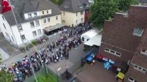 REN VESTFALYA - Almanya'da Seçim Sandıklarında Uzun Kuyruklar