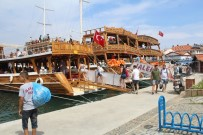 ANİMASYON - Ayvalık'ta Gezi Teknelerinde Bayram Coşkusu