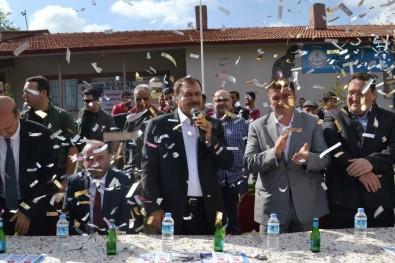 Bakan Eroğlu, Memleketi Şuhut'ta Hemşehrileri İle Bayramlaştı